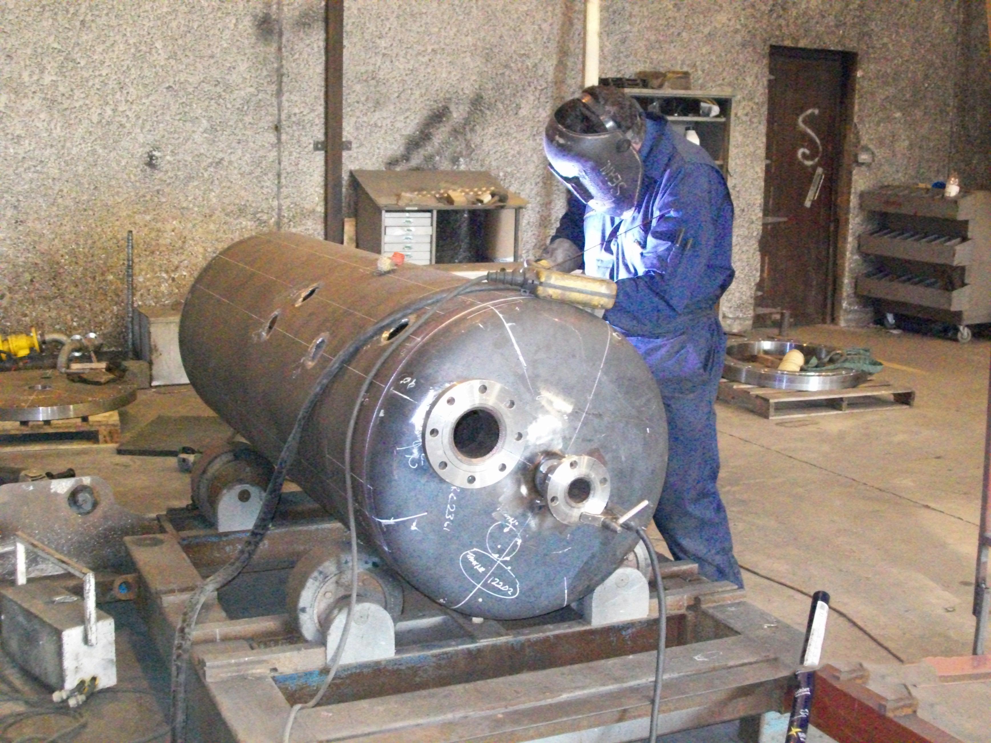 manufacturing of pressure vessels pdf